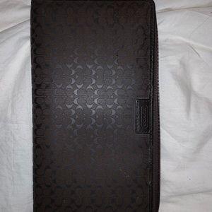 Large coach wallet / organizer